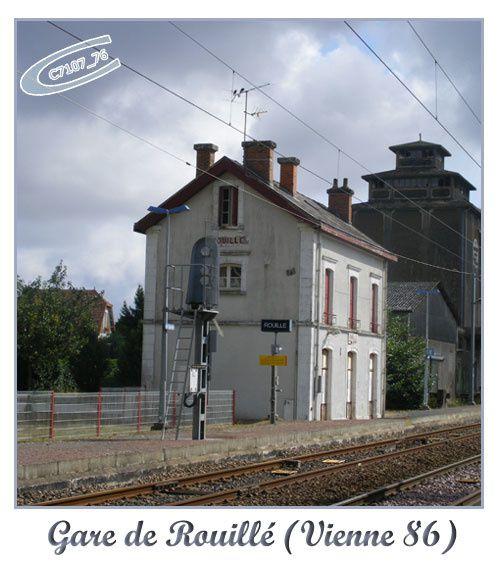 Quelques photos en rapport avec le monde ferroviaire prises lors de ma semaine autour de Poitiers