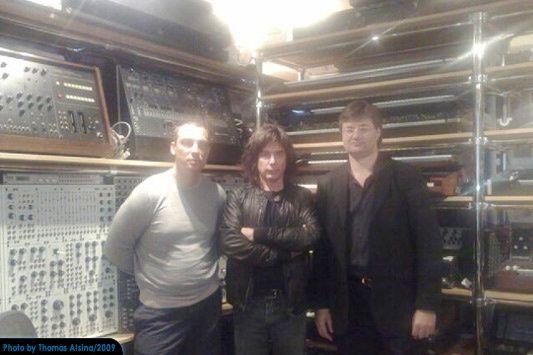 (Quelques) Synthétiseurs de Jarre et ses compères des tournées Oxygène 2008 et In-doors Tour 2009, ansi que des photos plus récentes.