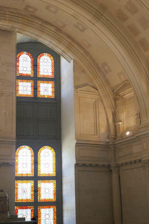 Célèbre château aux multiples cheminées dont François 1er, Louis XIV, le comte de Chambord ont laissés des souvenirs impérissables.