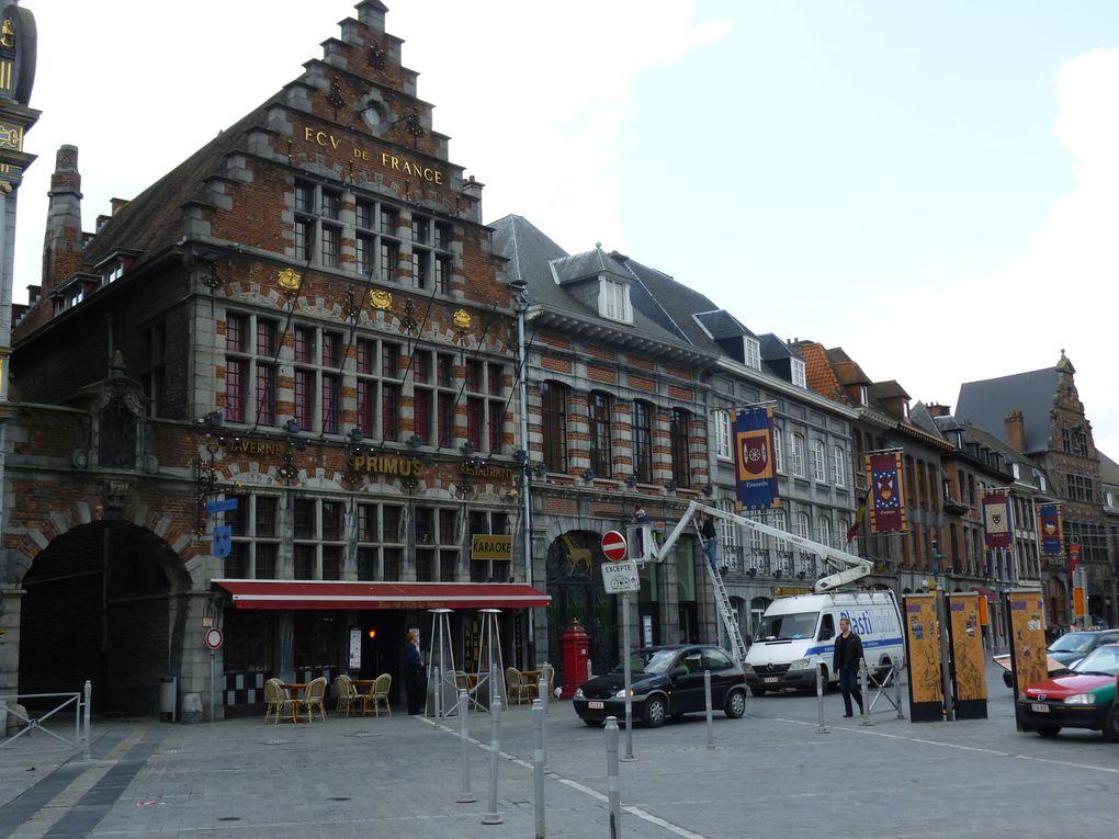Tournai, la bien connue pour sa cathédrale aux 5 clochers et 400 sans cloches, heu pardon 5 clochers dont 4 sans cloches.