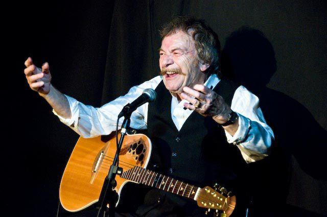 C'est une légende de la chanson et de l'humour que le café Le Trousse-Chemise, à Langan, a accueilli pour deux concerts, les 3 et 04 octobre 2008, en la personne de Ricet Barrier.