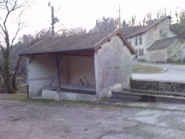 Eglises, chapelles, lavoirs, gare, four ou châteaux du Nord-Isère