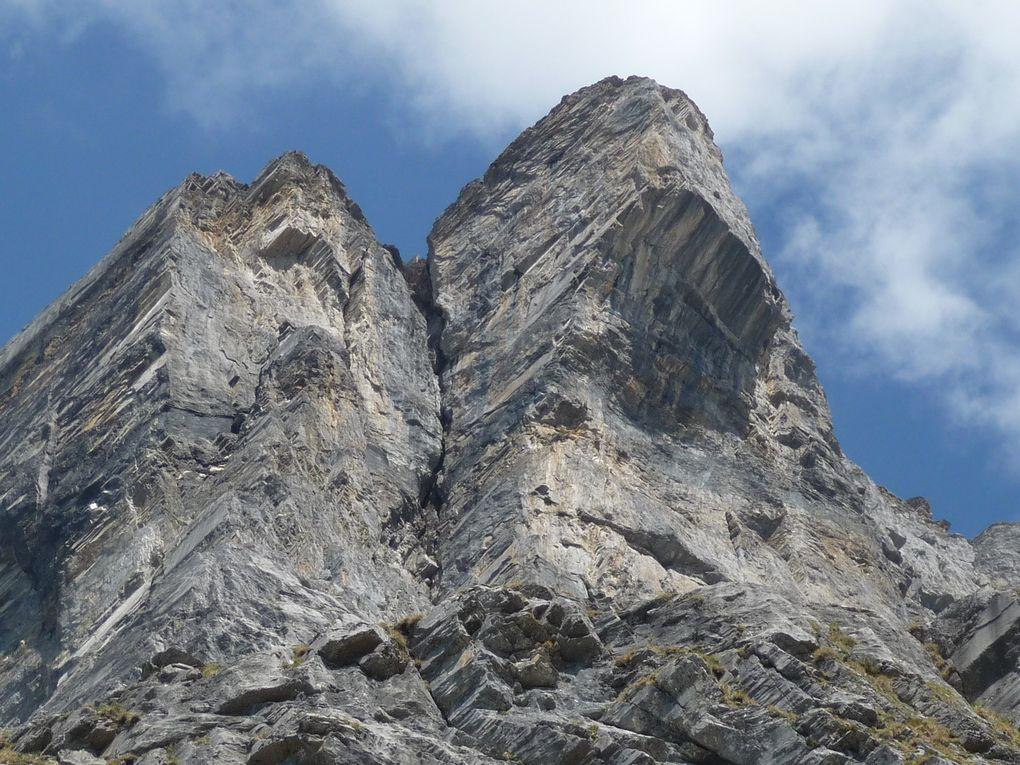 Tout est réuni ici : randos pédestres, alpi, rocher... Il devrait y avoir de quoi se régaler !
