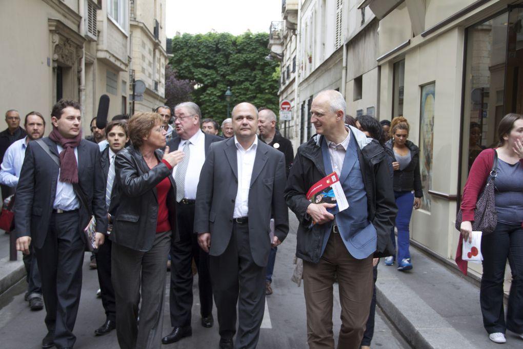 Avec Annick Lepetit et Daniel Vaillant, nous nous sommes retrouvés à Guy Moquet avant de rejoindre la Porte Saint Ouen et la rue Garibaldi à Saint Ouen.