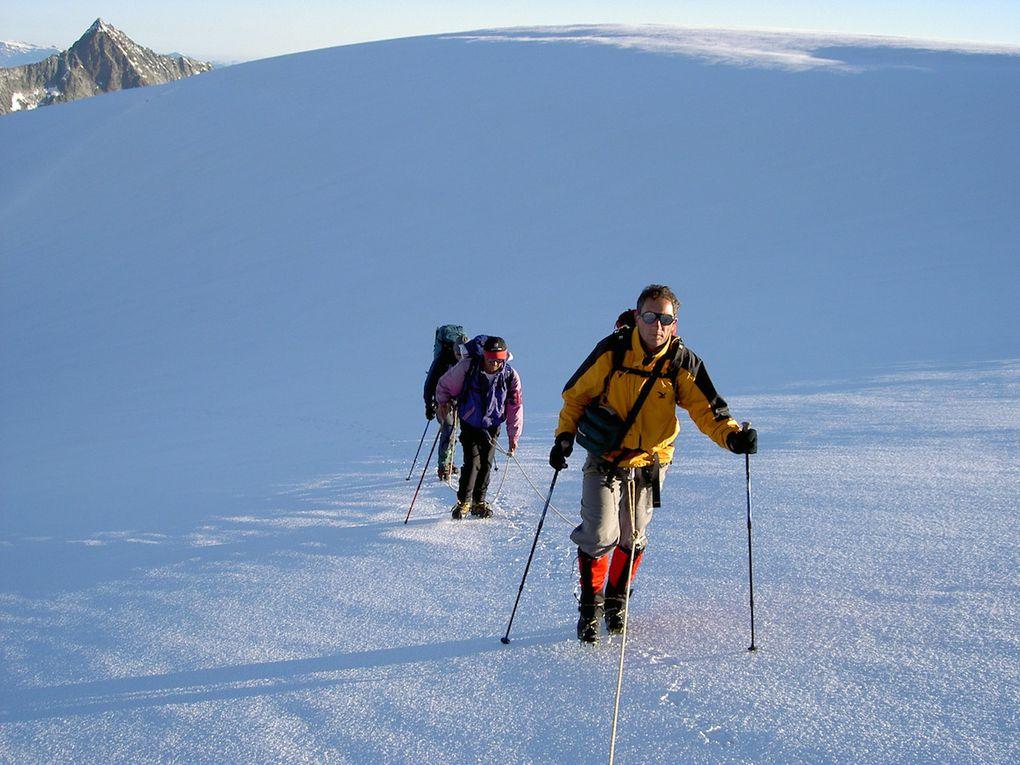 photos de la haute route Chamonix Zermatt l'été en raid glaciaire.