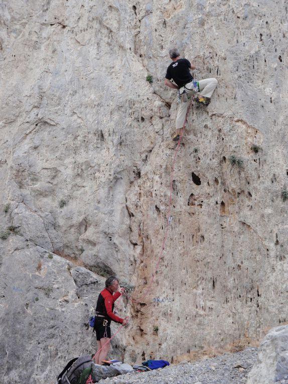 une semaine d'escalade à Kalymnos avec les guides de Chamonix.