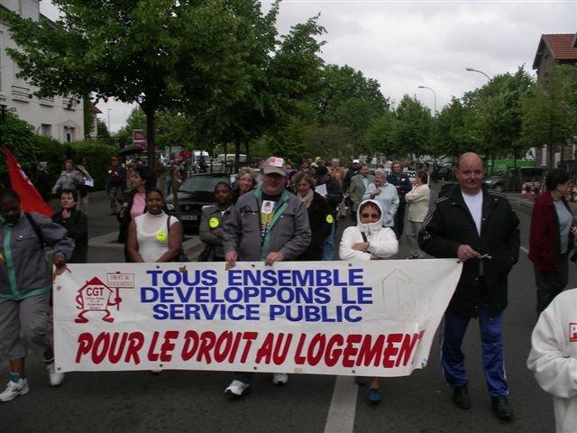 Manifestation dans les rues d'Argenteuil