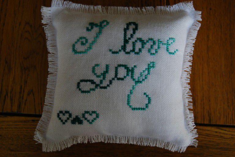 Voici mes créations de coussins, petits et gros, pour tous les jours ou pour des occasions bien spéciales...