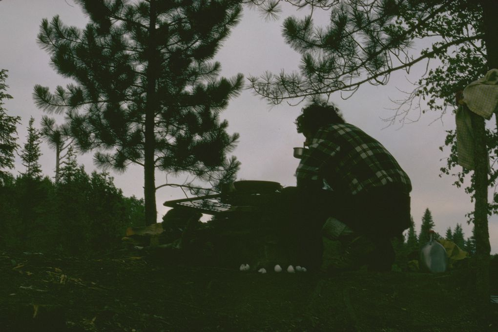 Photos diapositives prises au Québec dans le parc de la Vérendrie avec un Nikon F2 et un 50 mm Nikkor. En 1975.