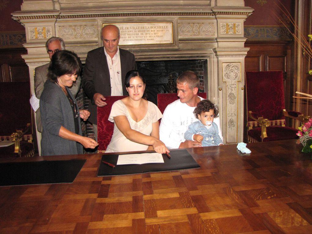 Vendredi 10 septembre 2010, le Réseau de vigilance rochelais et la Mairie de La Rochelle ont parrainé 4 familles ayant reçu une Obligation de Quitter le Territoire Français