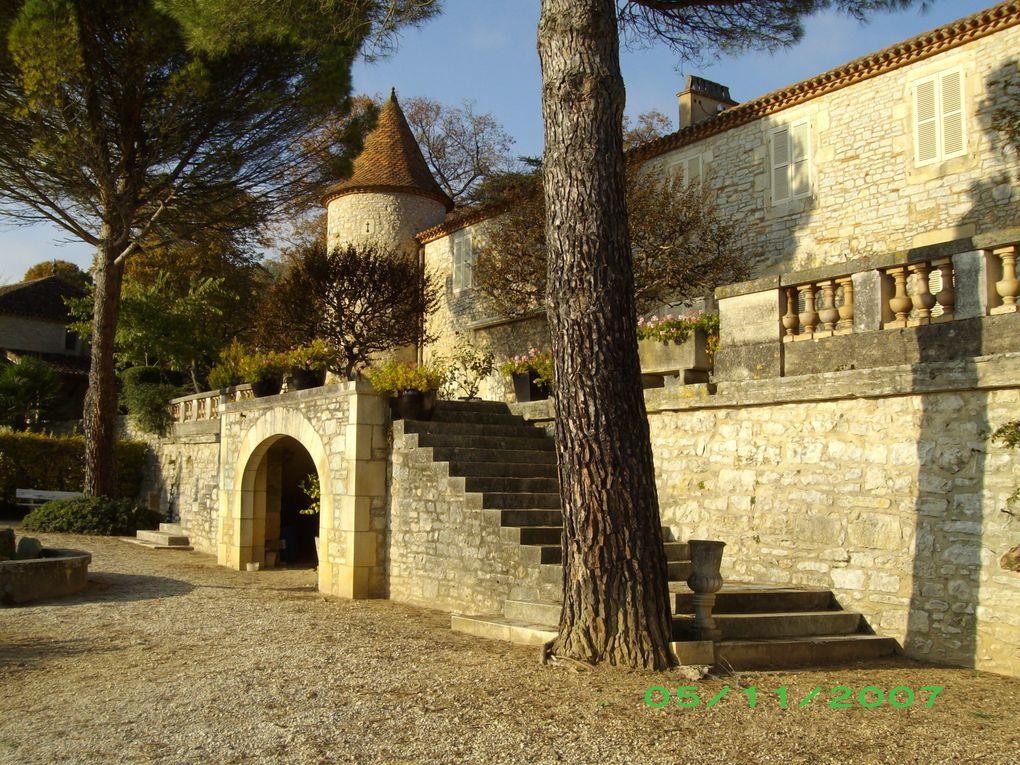 Villages bâtis dans la roche (Rocamadour), ou à même le rocher (St-Cirq Lapopie), le Lot sinueux, la propriété du Prince du Danemark (le château de Caïx). Une région magnifique...