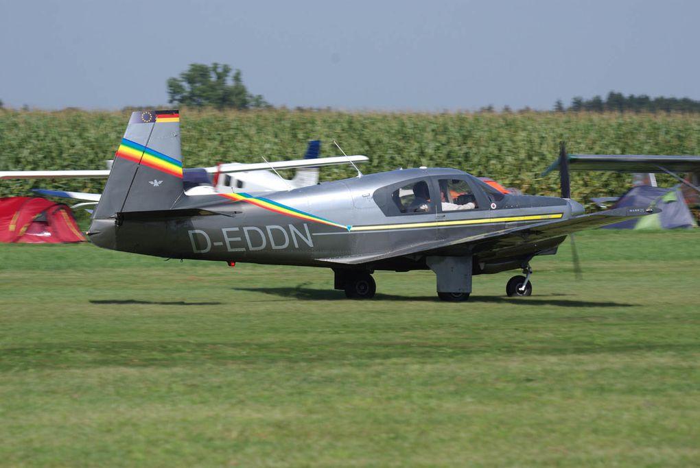 Album présentant les avions les plus originaux, soit par leurs peintures, leurs esthétiques ou les deux.
