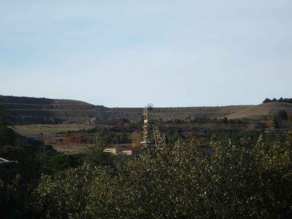 Visite des Châteaux de Lastours et aperçu des paysages et de la flore durant la petite randonnée Sentinelles vallée de l'Orbiel