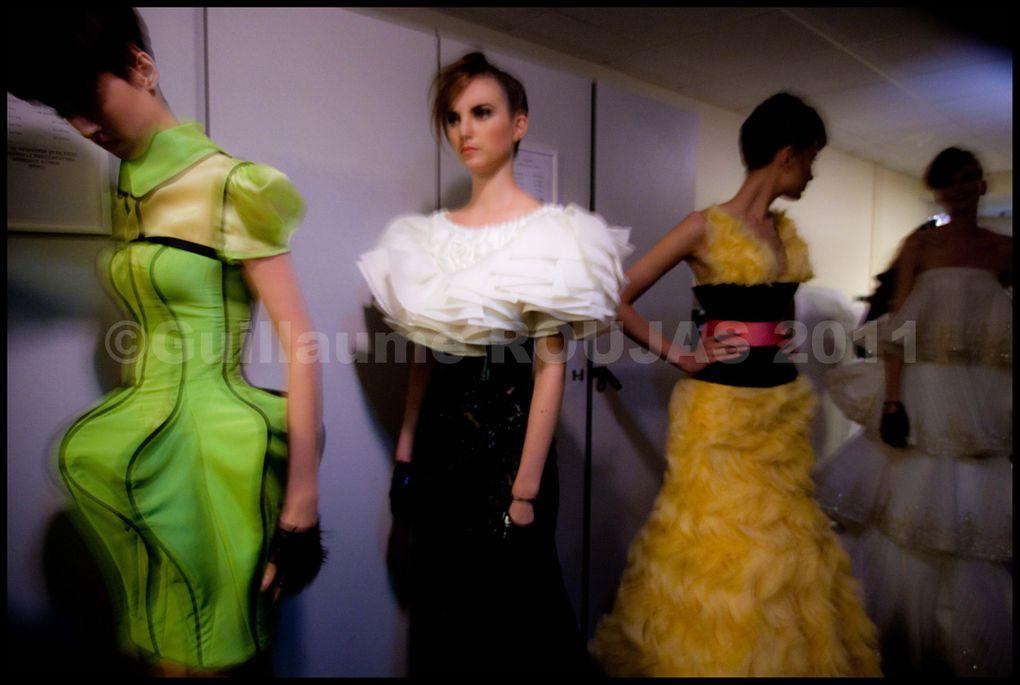 Backstages de défilé de Mode à Paris - ©Guillaume Roujas 2011 - roujasg@yahoo.fr