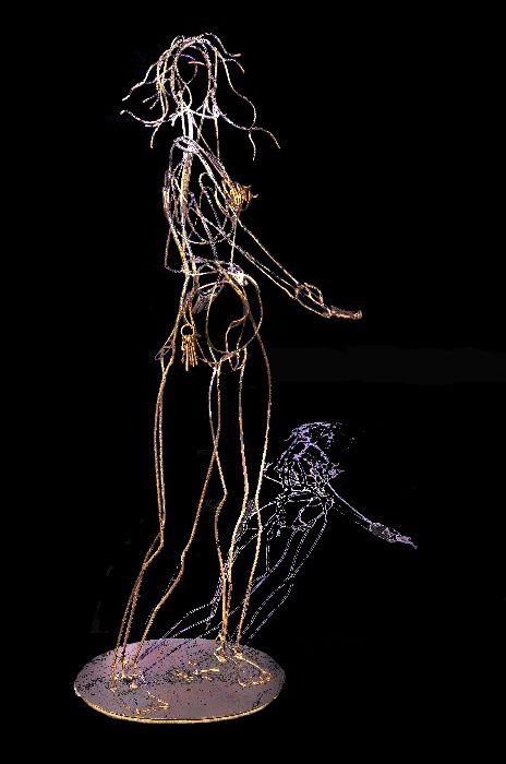 """DEDANS / DEHORSCHAPELLE BLEUE  -  PLOERMEL  (Bretagne, 56) """"le plasticien crée le visiteur par le cheminement libre que lui impose l'oeuvre""""   P.L. Exposition organisée par 3CE de la Ville de Ploërmel, Comissaire de l'Exposition : Melen Gibout."""