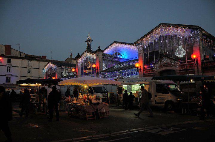 L'Office de Tourisme de La Rochelle nous offre une série de photos des illuminations de la ville aussi belles que le sont les décorations elle-mêmes !