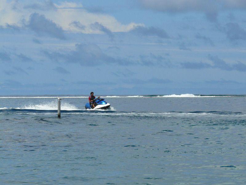 Premier bain de soleil complet à Tahiti