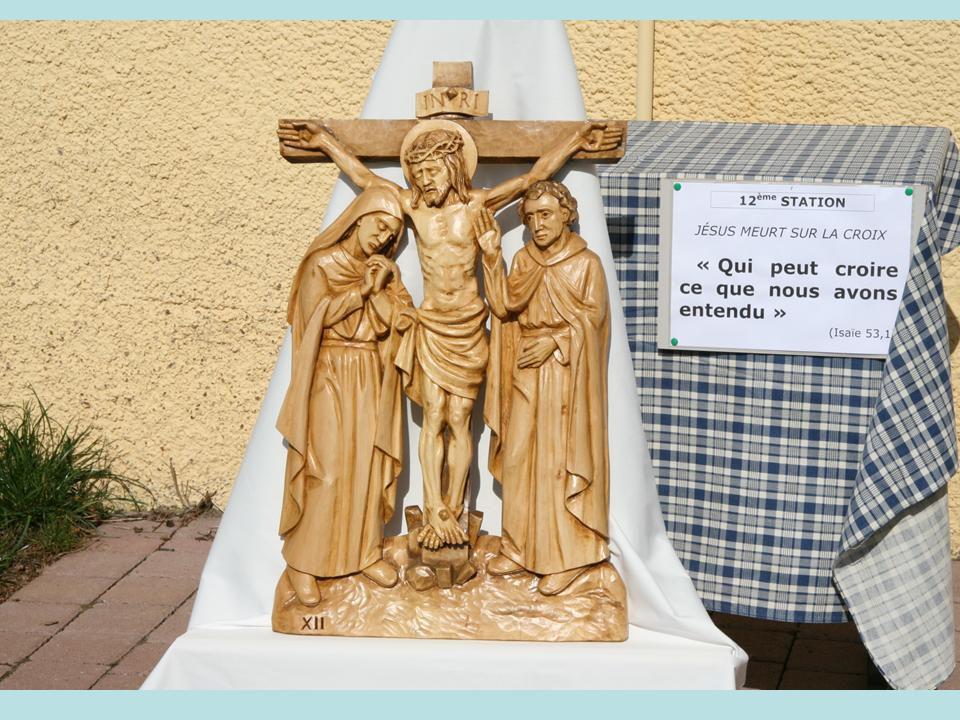 Album - 2009 (01) 10/04/2009 à Colroy-la-Roche, installation du nouveau chemin de croix à l'église