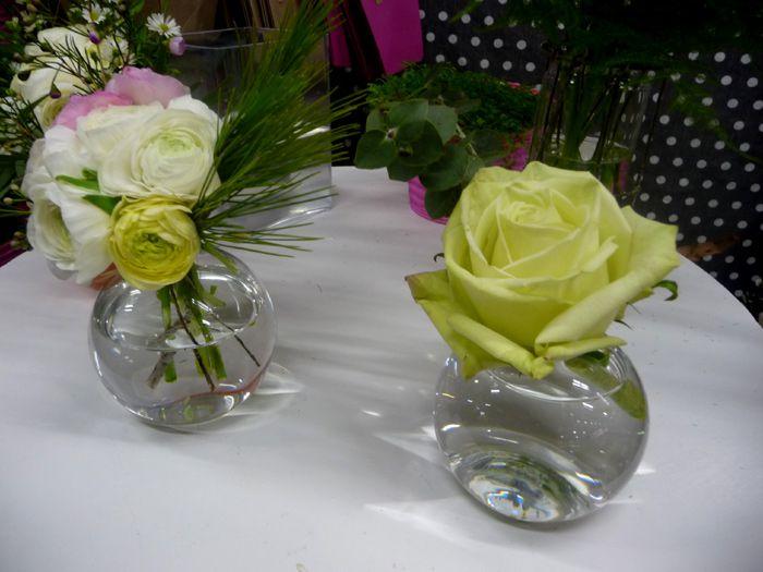 fleuriste Narbonne Languedoc Roussillon sud France, étal de fleurs aux halles de Narbonne
