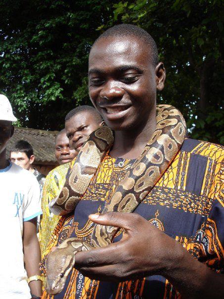 Établie sous le Royaume de Xwéda, la ville de Ouidah (connue autrefois sous le nom de Gléhué) est devenue célèbre à l'époque du commerce des esclaves. Aujourd'hui, cette ville historique tranquille offre aux visiteurs une vue exceptionnelle d