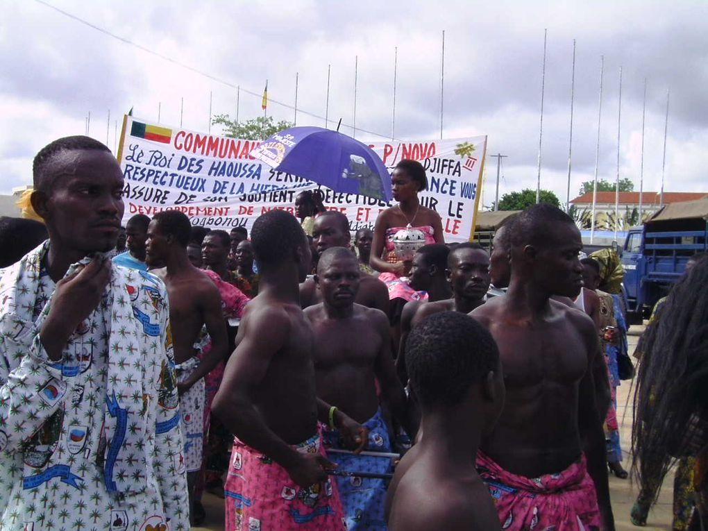 Après Abomey qui a célébré le centenaire de la mort du roi Béhanzin en 2006, c'est le tour de la ville de Porto-Novo de commémorer le centenaire de la mort de son souverain, le roi Toffa (1908-2008) du 26 Avril au 2 Mai 2010 à Porto- Novo.