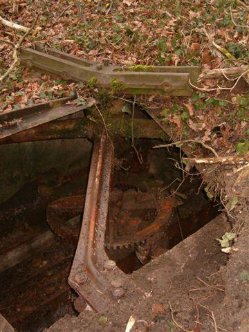 C'est la découverte d'un puits oublié dans le parc du chateau de Kolbsheim.