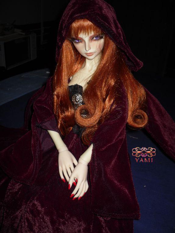 Voici ma première BJD.Salle caractère cette vampire mais je l'adore!