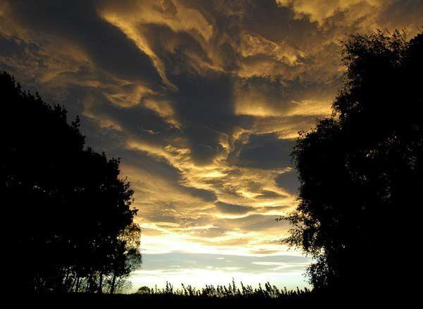 Une nouvelle forme de nuage, très impressionnante et magnifique.Copyright : à leurs auteurs