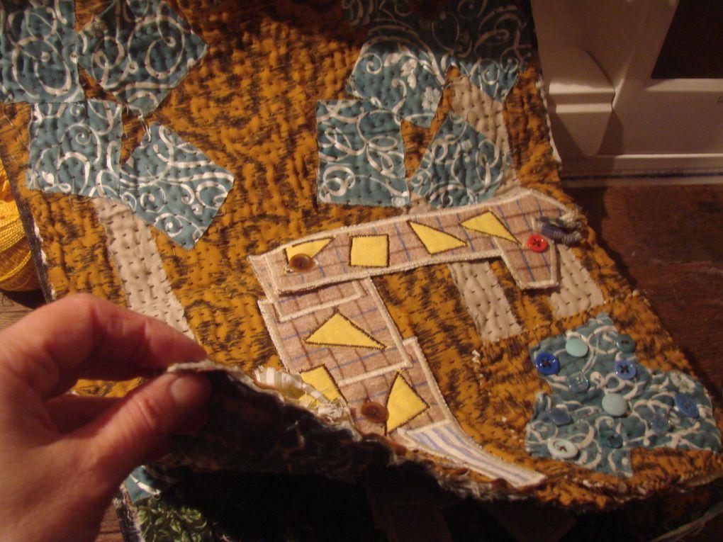 Livres en tissusBroderie rubanAppliqué, patch, broderie machine et main