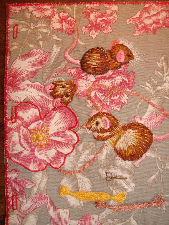 Cette année je fais un journal textileAu fil des saisons et des mois je rajoute des pages