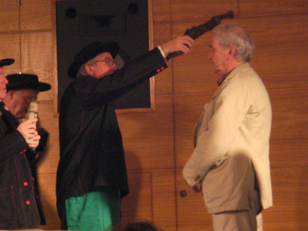 Intronisations dans l'Ordre des Compagnons du Beaujolais. Création du Sarment Valencien le 19.02.2010
