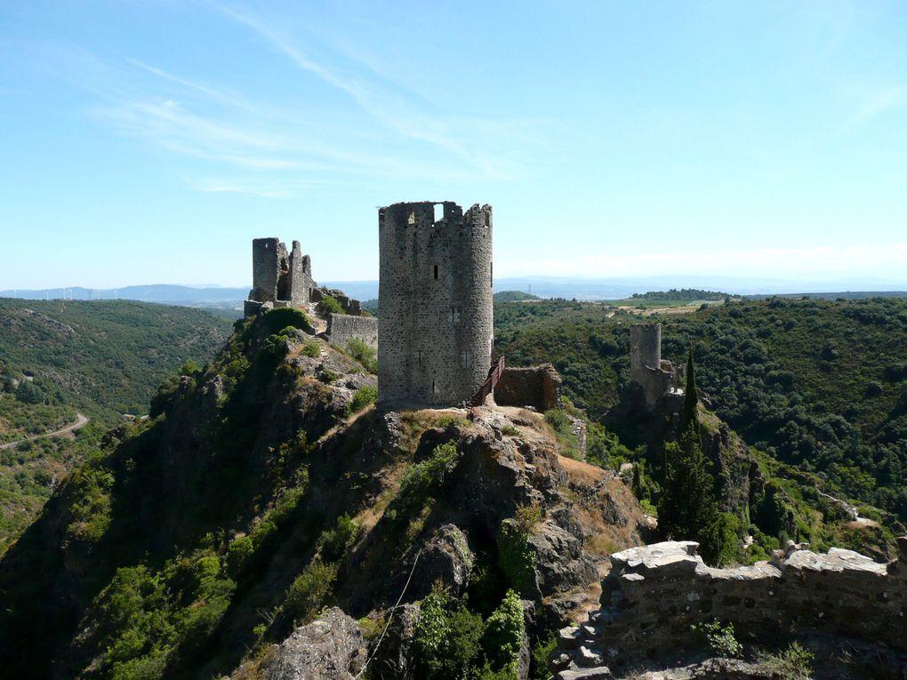 châteaux :* Lastours (Cabaret - Tour régine -Surdespine et Quertinheux).* Peyrepertuse* Aiguilar