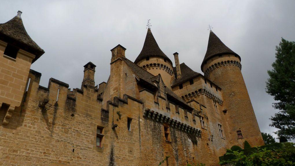 Château de Montaigut (Aveyron)Château de Fénelon (Dordogne)Château de Beynac (Dordogne)Château de Puymartin (Dordogne)Château de Commarque (Dordogne)Château de Coucy (Aisne)