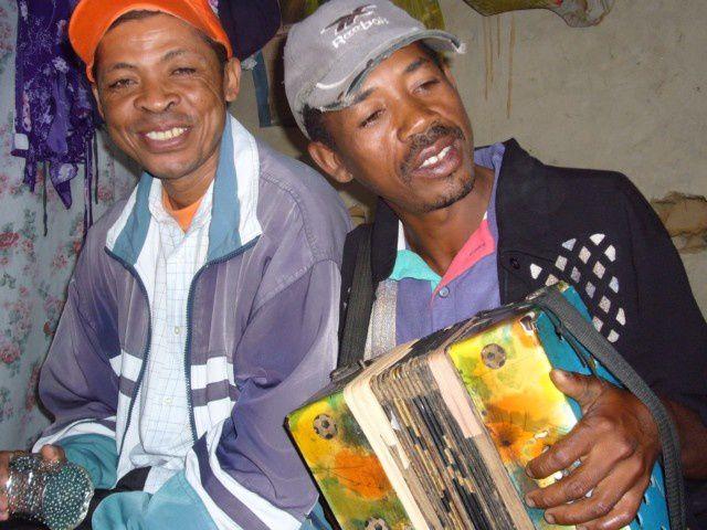 En images, les accordéonistes malgaches rencontrés.