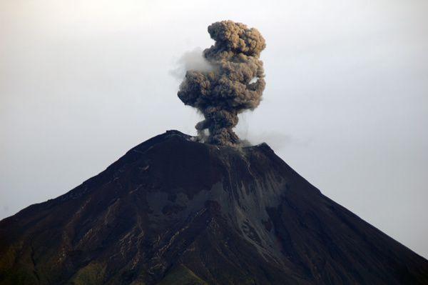 Le Tungurahua est l'un des volcans les plus actifs d'Equateur dont l'éruption actuelle dure depuis 1999