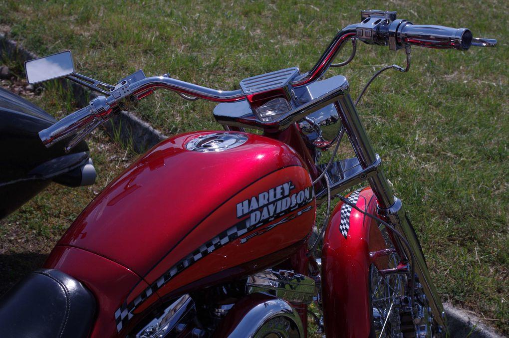 Des photos liées au monde HD ou tout simplement à la route en moto