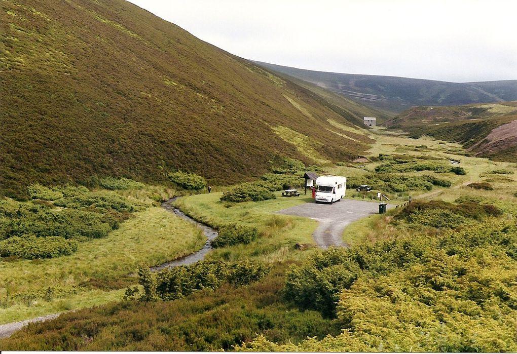 Voyage en camping car aux pays des châteaux hantés et du kilt!