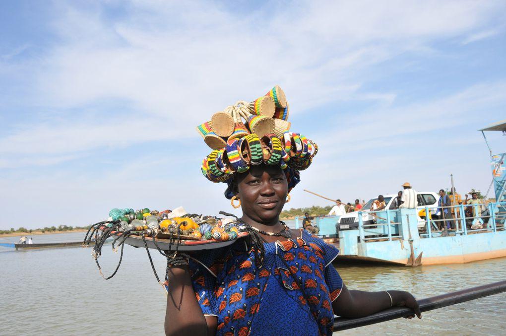 Voyage au pays Dogons, au pied du Sahel et des fameuses falaises de Bandiagara.