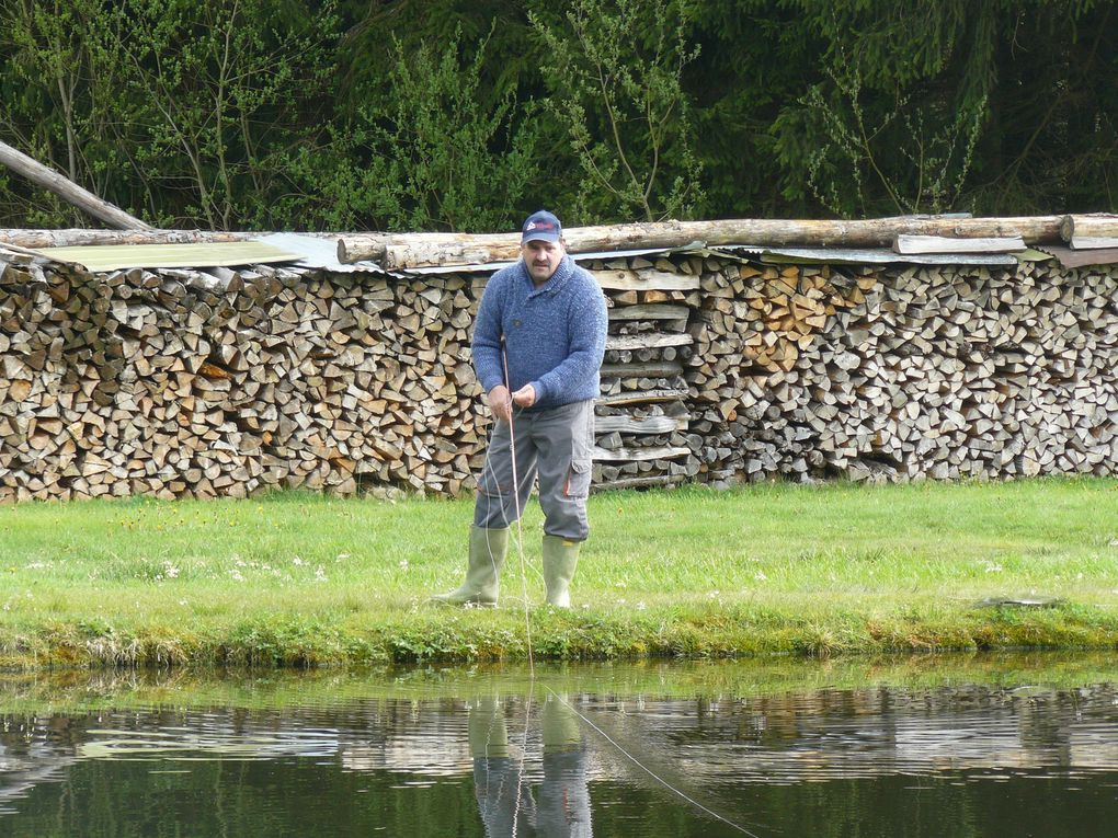 Diverses photos des fidèles pêcheurs lors du concours du club