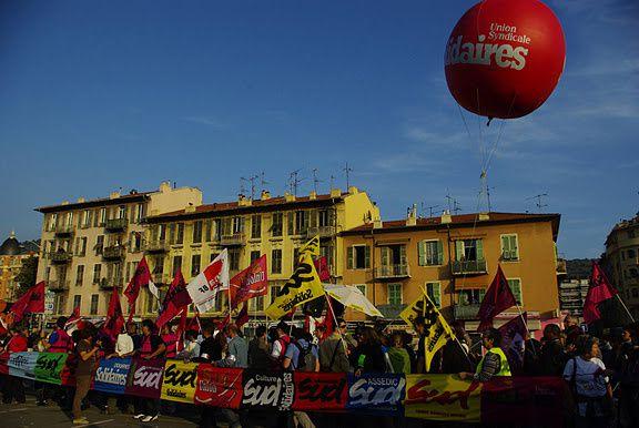 Plus de 10 000 personnes à Nice pour la manifestation principale le 1er nov. Photos de A-M D, JFP, Alice, Patricia Tutoy (Solidaires) et Jean Sicard