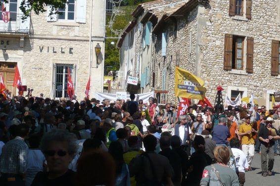 4 000 manifestant-e-sPhotos RN et Michèle Moreau(Alternatifs)