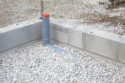 Hérisson de Cailloux, mise en place des évacuations des eaux usées et préparation de la plomberie