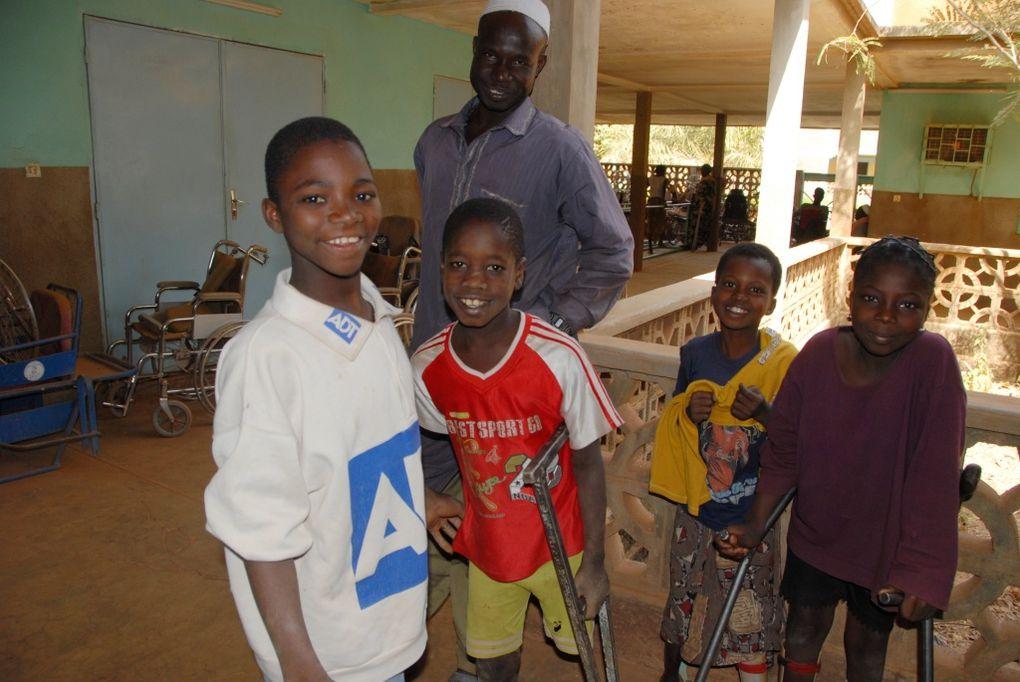 Bref aperçu du centre. Voir le site http://www.handicapkoudougou.org/