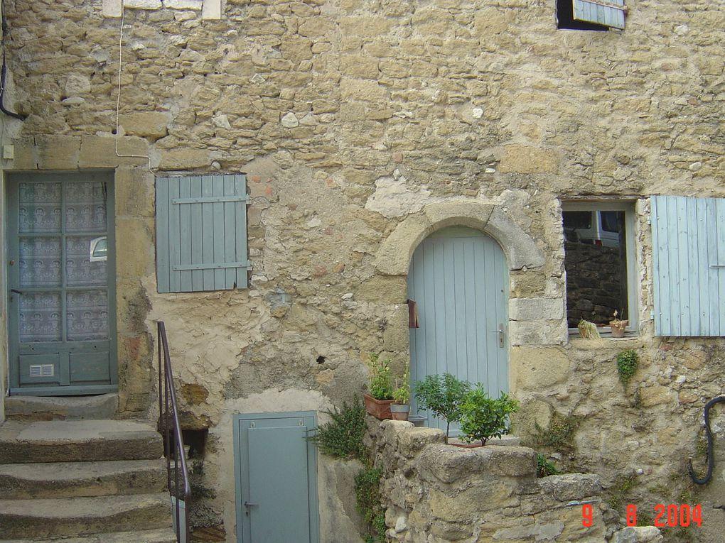 Le village, château, le Luberon.