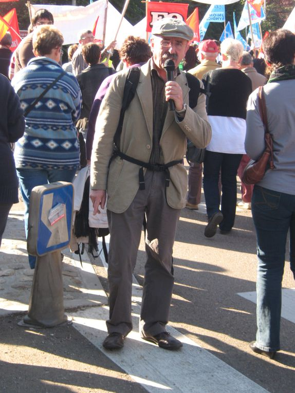 Manif Auxerre contre le projet retraite du gouvernement 13-10-2010