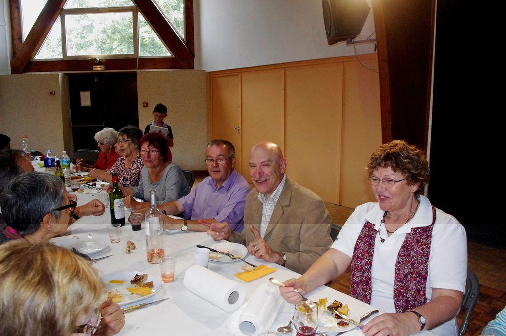 Derniere Messe du Père Richard BOUCHET à ARTIGUES le !/9/2013, suivie d'un repas tiré du sac à la Salle des Fêtes de BAJAMONT.