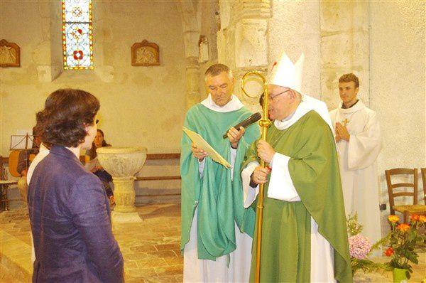 Envoi des Nouvelles Déléguées Pastorales par Monseigneur HERBRETEAU,lors de laMesse de clôture de la Mission St Gabriel, en l'Eglise de St Martin de FOULAYRONNEle Dimanche 24 Août 2014.