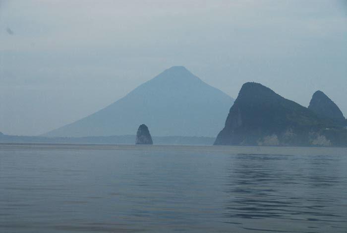 Bon abri , a l'entree de la baie de Kagoshima