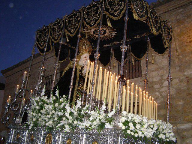 Hermandad de Mª Stma. de la Soledad. Procesiona el Viernes Santo junto a Jesús Nazareno, San Juan, María Magdalena y la Santa Mujer Verónica