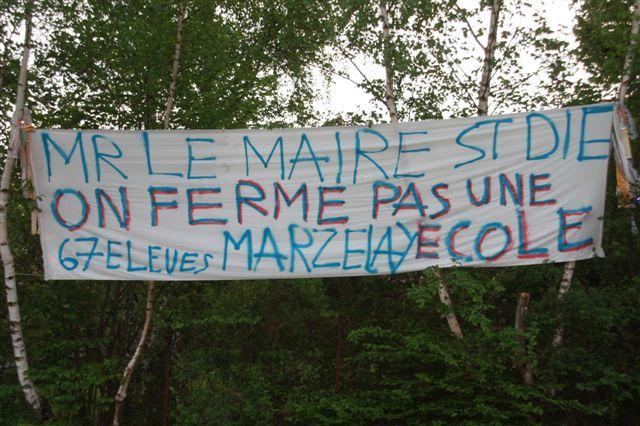 au printemps (de Jules Ferry) les banderoles fleurissent à St Diési vous avez d'autres lieux, prnez les en photos nous les publieronsmerci